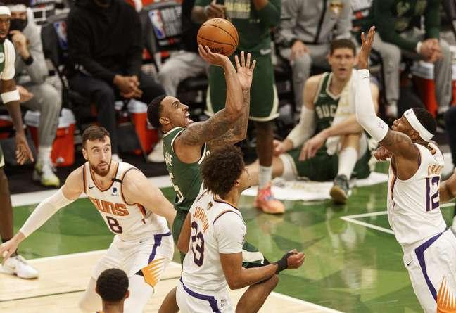 Milwaukee Bucks levou melhor no jogo 4 da final da NBA contra Phoenix Suns
