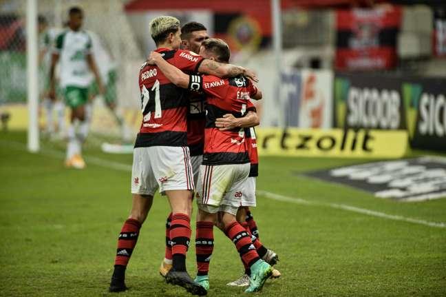 Jogadores do Flamengo comemoram vitória