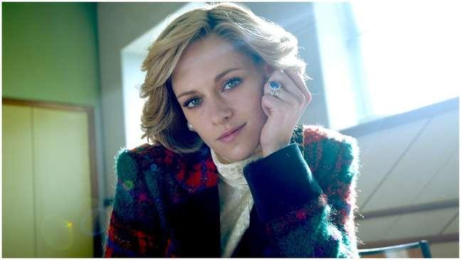"""Kristen Stewart como a princesa Diana no filme """"Spencer"""""""