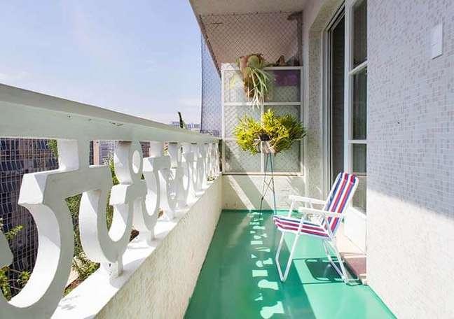 28. Piso pintado para varanda em tons de verde – Foto Pinterest