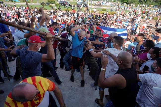 Confusão durante protestos em Havana, Cuba