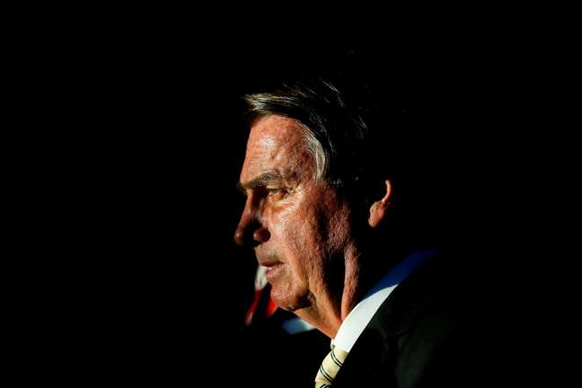 Jair Bolsonaro enfrenta denúncias contra o seu governo