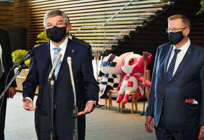 Thomas Bach discursa durante entrevista coletiva desta quarta-feira, em Tóquio