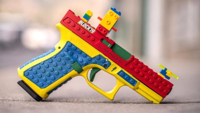 Arma de fogo Block19, que se parece a um brinquedo, foi chamada de 'irresponsável' e 'perigosa'