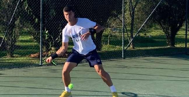 João Menezes finaliza fase de treinos em Itajaí antes de embarcar para Tóquio Divulgação