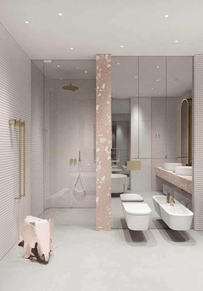 55. Modelo de banheiro grande com decoração minimalista – Foto: Houzz