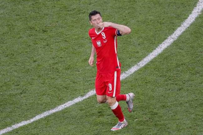 Lewandowski ainda não tem futuro definido (Foto: MAXIM SHEMETOV / POOL / AFP)