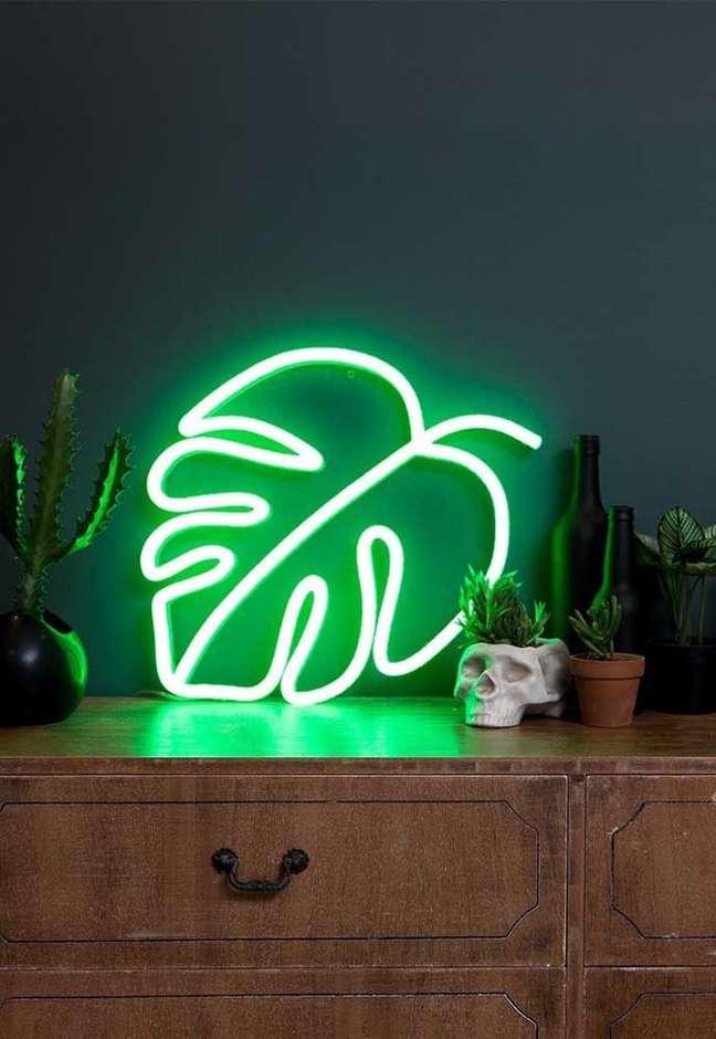 29. Quarto com luz neon verde – Foto Pinterest