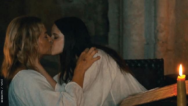 """Sobre críticas às cenas de sexo de Benedetta, o diretor disse se tratar de """"puritanismo"""""""