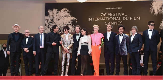 """Elenco estelar de """"The French Dispatch"""", de Wes Anderson, na première do filme em Cannes"""