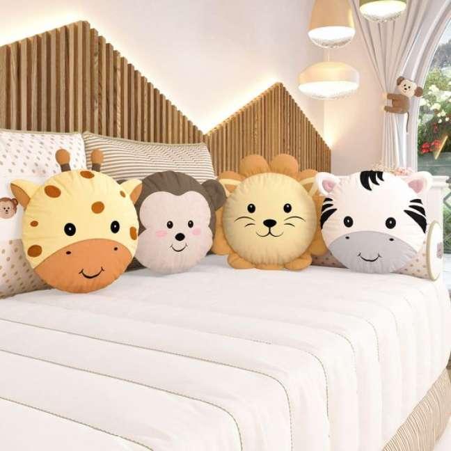 4. Almofadas divertidas de animais para quarto infantil – Foto Grão de Gente