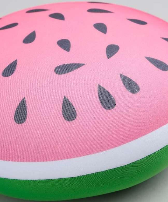 25. Almofada redonda de melancia – Foto Pinterest