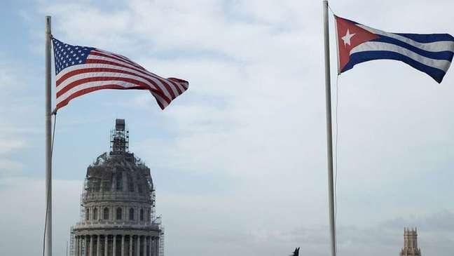 O embargo dos Estados Unidos a Cuba começou nos 1960 para pressionar o país a deixar de ser um regime socialista