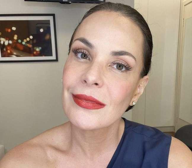 A apresentadora do 'Domingo Espetacular', Carolina Ferraz