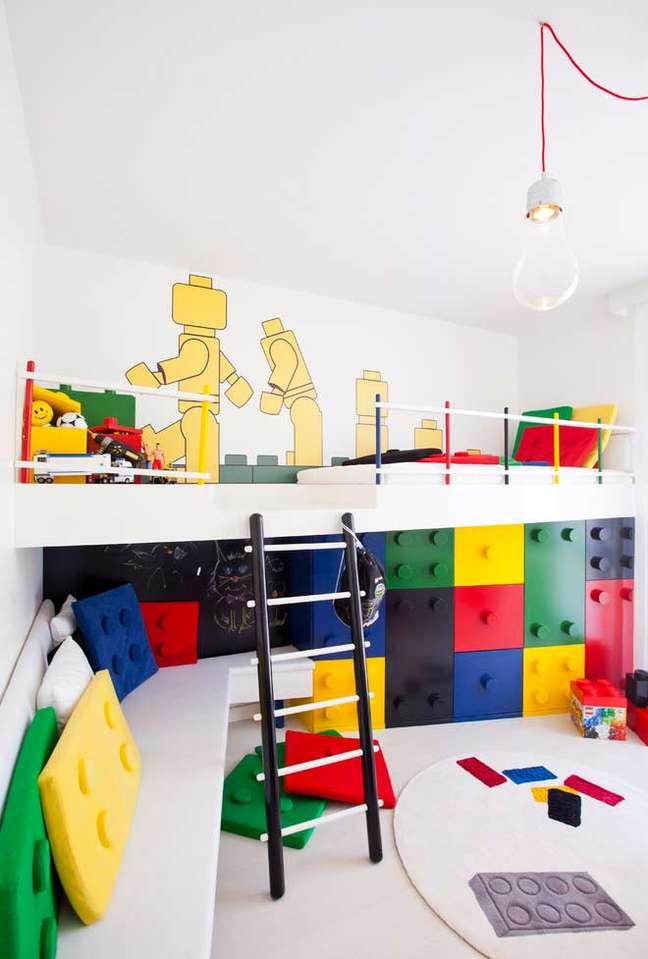 49. Almofadas divertidas para quarto infantil em formato de lego – Foto Pinterest