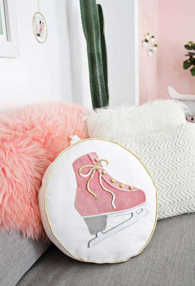 34. Almofadas divertidas com tecido estampado – Foto Pinterest