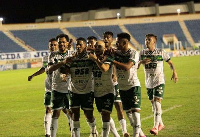 Régis, Davó, Pablo e Allan Victor marcaram os gols do Bugre em Aracaju (Foto: Divulgação/Emanuel Rocha/Guarani)