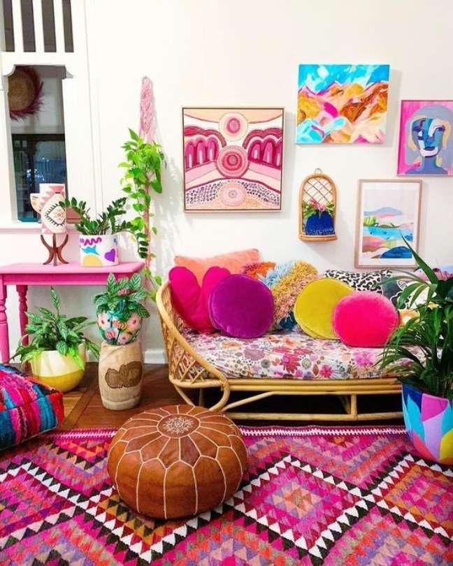 63. Decoração colorida com almofada redonda de veludo – Foto Ebay