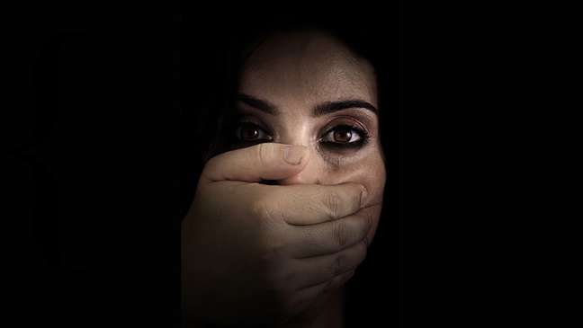 Estupros de esposas foram tabu durante anos no Egito, mas cada vez mais vítimas estão levantando suas vozes
