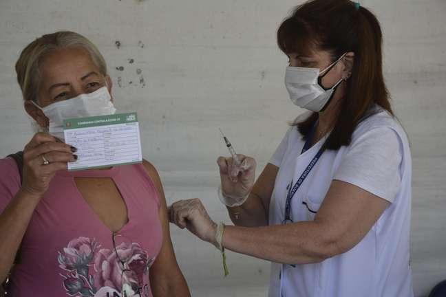 Campanha de vacinação contra a Covid-19, em São Paulo