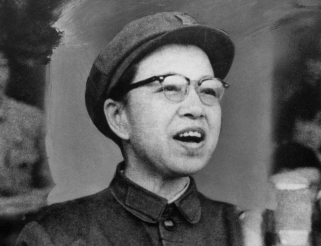 """Discursos inflamados da esposa de Mao inspiraram jovens a se rebelarem contra qualquer figura de autoridade que considerassem """"contra-revolucionária"""""""