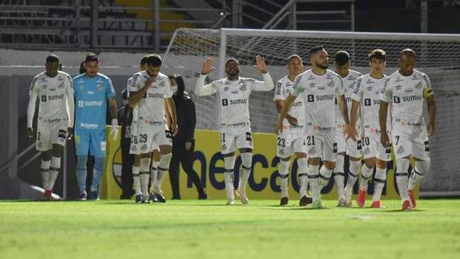Jogadores do Santos comemoraram muito o ponto conquistado em Bragança (Ivan Storti / Santos)
