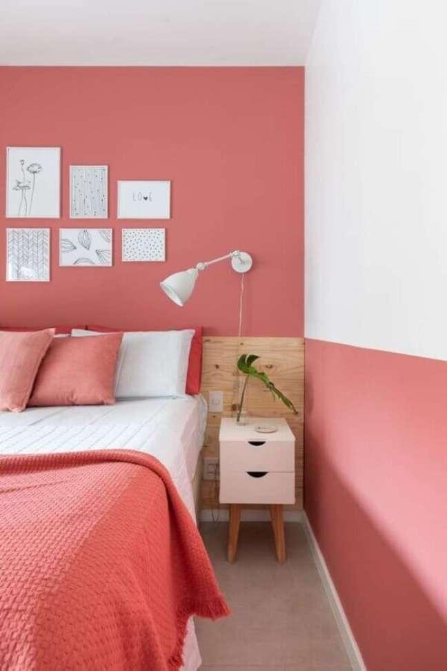 28. Dicas de decoração para quarto de casal branco e rosa com cabeceira de madeira – Foto: Apartamento 203