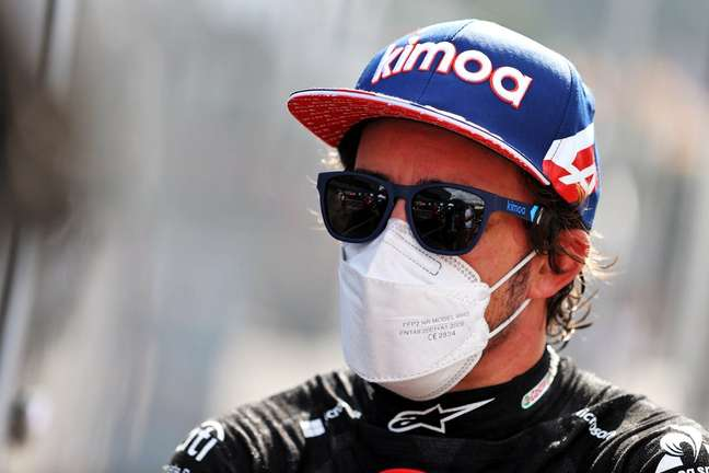 Fernando Alonso considerou que lance polêmico do GP da Inglaterra foi incidente de corrida