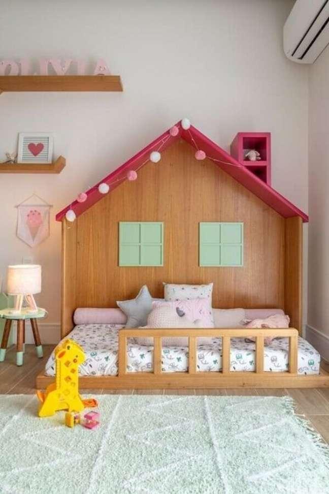 40. Dicas de decoração para quarto infantil feminino com cama casinha – Foto: NaToca Design