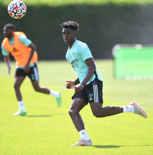 Lokonga durante o seu primeiro treino pelo Arsenal nesta segunda-feira