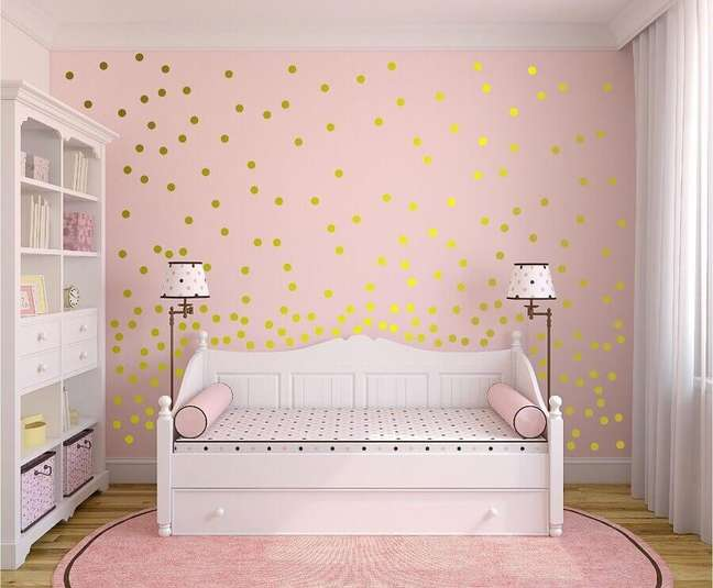 31. Decoração rosa chá para quarto infantil simples – Foto: Pinterest