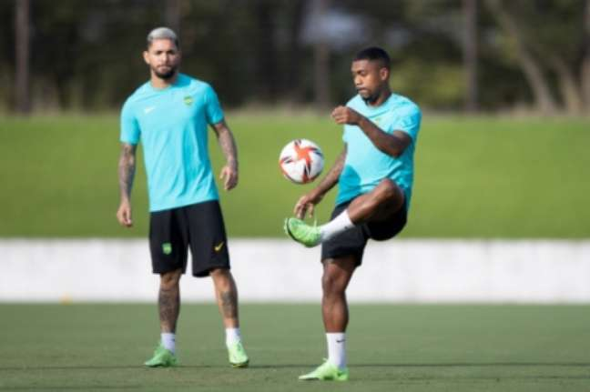 Malcom e Douglas Luiz em treino da Seleção Olímpica (Foto: Lucas Figueiredo / CBF)
