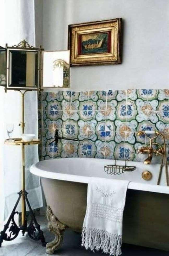 37. Banheiro vintage com banheira de pé – Foto Deposito Santa Mariah