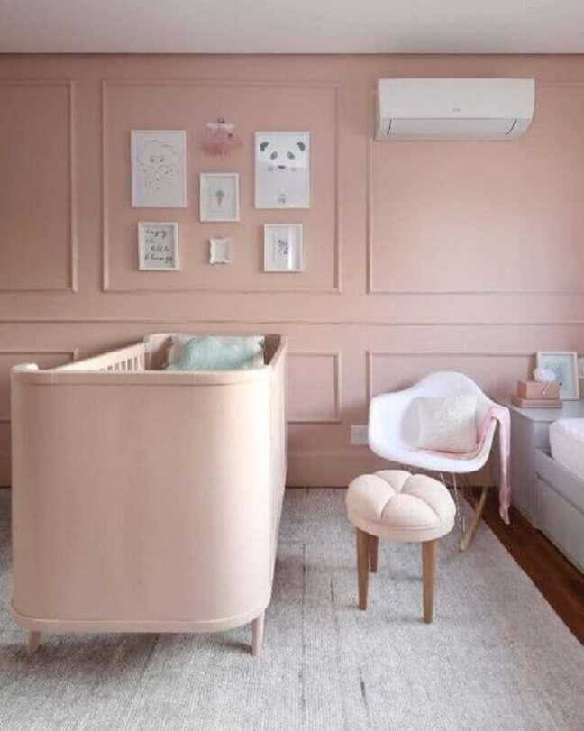 1. Decoração rosa chá para quarto de bebê feminino – Foto: Simone Saccab