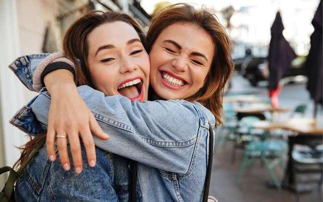 Dean Drobot/Shutterstock - Signos e amizade