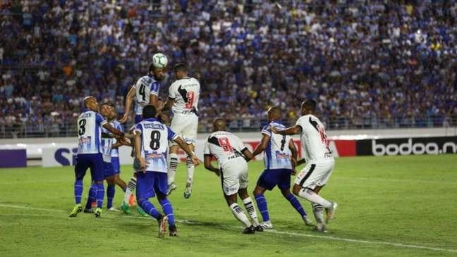 Último duelo entre CSA e Vasco terminou 3 a 0 para o Cruz-Maltino (Carlos Gregório Jr   #VascoDaGama)