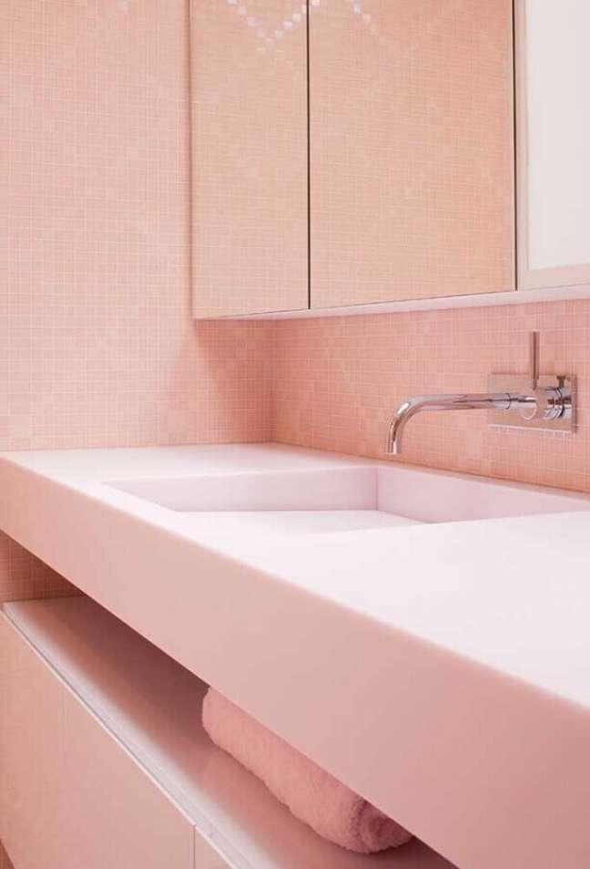 48. Pastilha rosa chá para decoração de banheiro – Foto: Ideias Decor