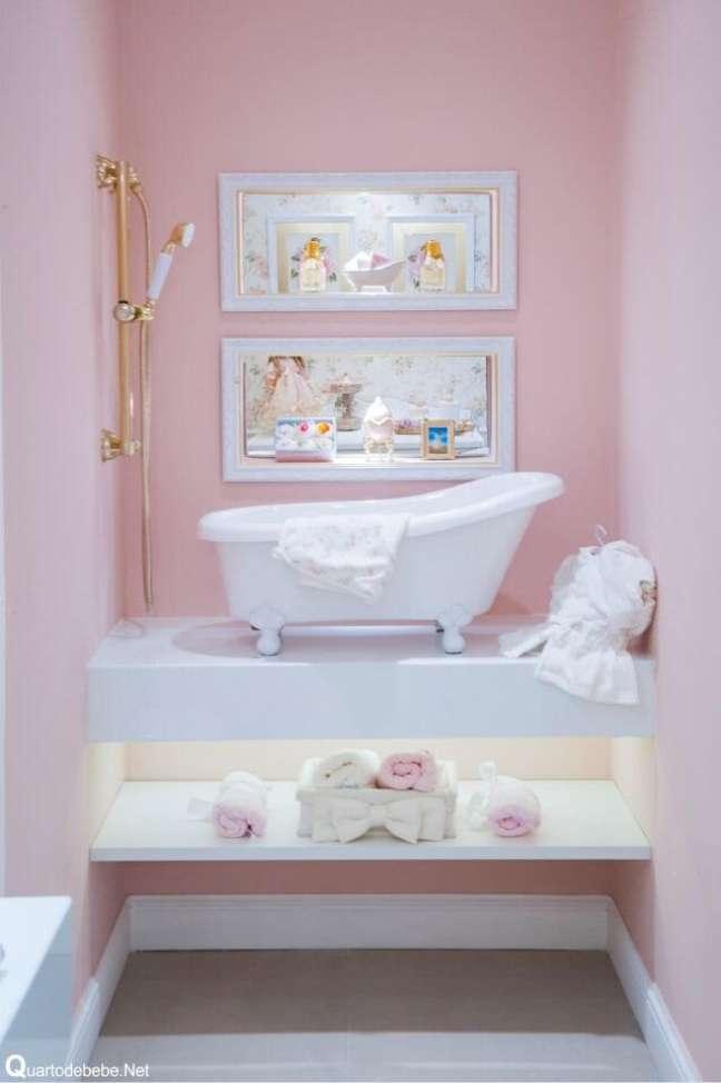 16. Banheira de pé infantil para bebe – Foto Pinterest
