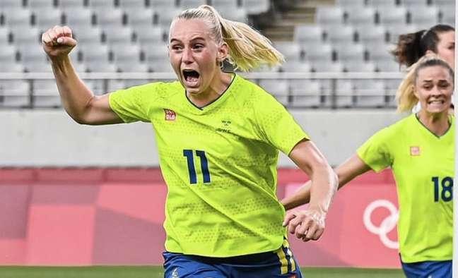 Atacante Blackstenius marcou dois dos três gols da partida (Divulgação/Suécia)
