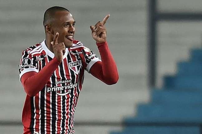 Marquinhos foi destaque na vitória do São Paulo e quebrou recorde na Liberta (Foto: Marcelo Endelli / POOL / AFP)