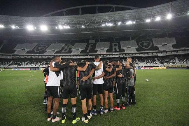 Time do Botafogo contra o Goiás (Foto: Vítor Silva/Botafogo)