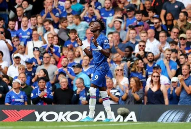 Tammy Abraham pode sair do Chelsea e atuar no Arsenal na próxima temporada (Foto: Reprodução)