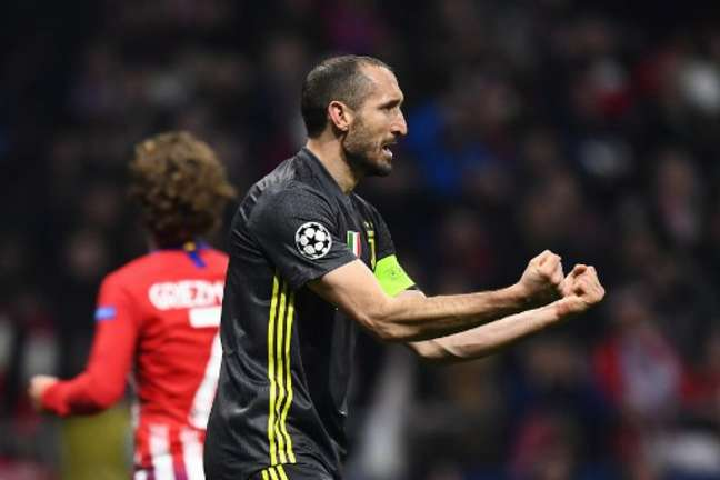 Chiellini deve permanecer na Juventus até 2022 (Foto: Gabriel Bouys / AFP)