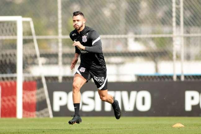Giuliano já treina no CT Joaquim Grava, mas pode estrear apenas em agosto (Foto: Rodrigo Coca/Ag.Corinthians)