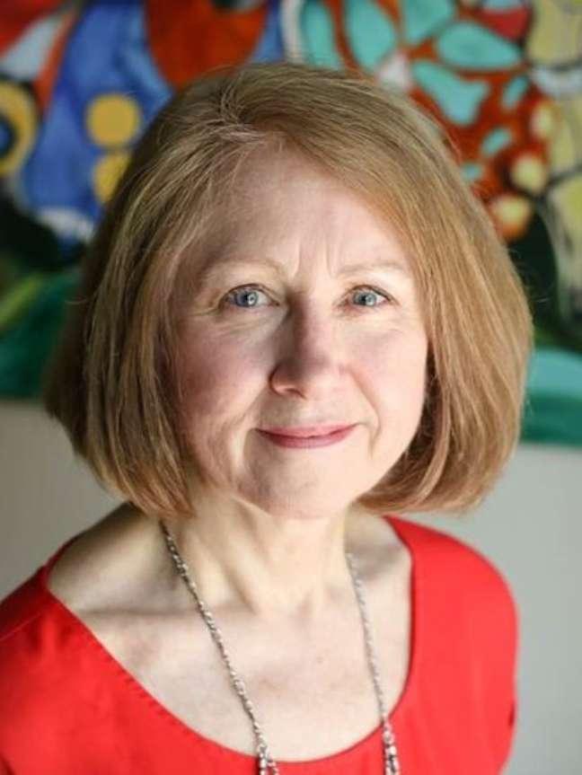 Susan Hillis, especialista em doenças infecciosas e líder de pesquisas de orfandade, é mãe adotiva de 11 crianças