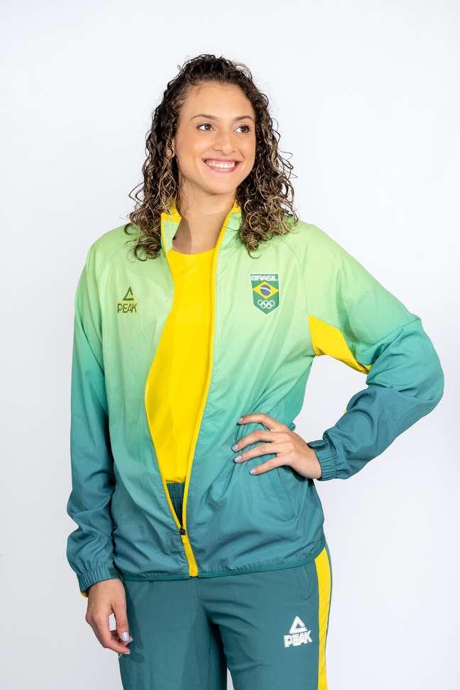 A atleta Milena Titoneli Guimarães durante apresentação dos uniformes do Time Brasil