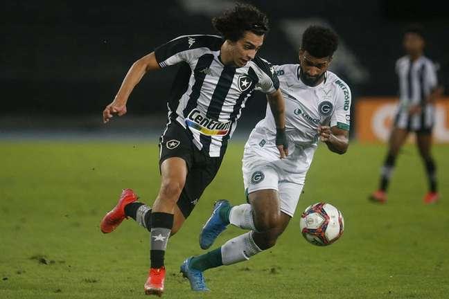 Matheus Nascimento, do Botafogo, contra o Goiás (Foto: Vítor Silva/Botafogo)