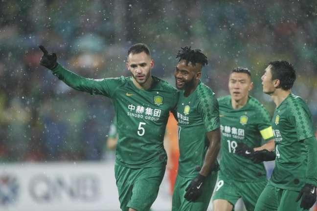 Renato Augusto se despediu do Beijing Guoan e ficou mais perto do Corinthians(Foto: Divulgação)