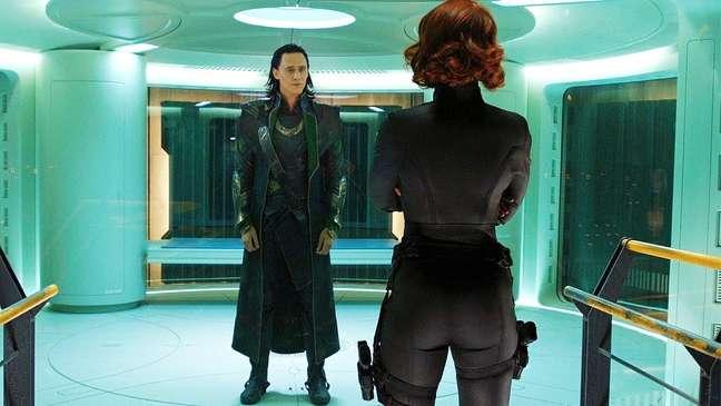 """Quando ela fala """"Obrigado por sua cooperação"""" e o Loki fica com cara de bunda o cinema inteiro fez """"uhhhhh"""". Natasha é ______ pra ______"""
