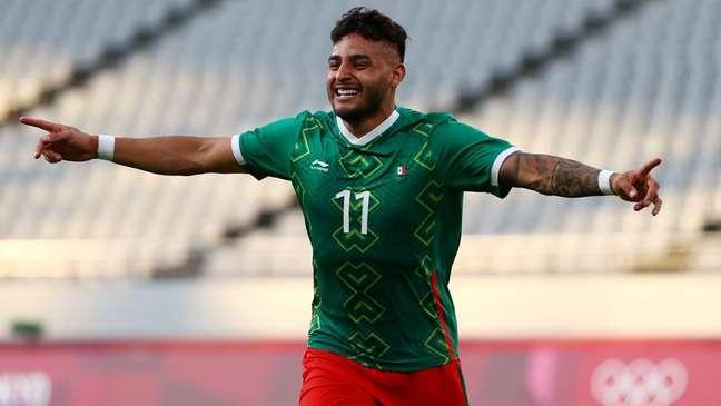 Alexis Vega comemora gol marcado na vitória do México sobre a França no torneio de futebol masculino da Olimpíada de Tóquio 22/07/2021 REUTERS/Edgar Su